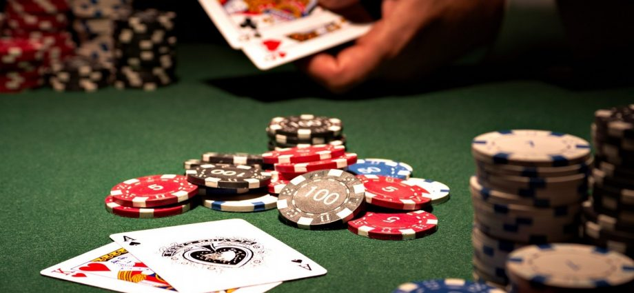 Four Ways to Make Your Online Gambling Easier