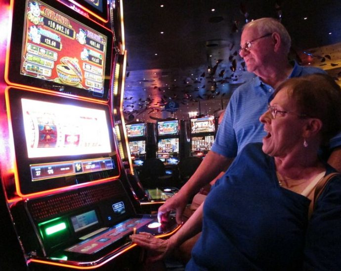 Online Casino Services - Find out how to Do It Proper